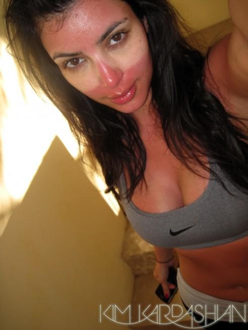 kim-kardashian-sunburned-in-mexico-1-492x656 (1)