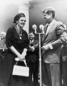 Frances Kelsey and John Kennedy