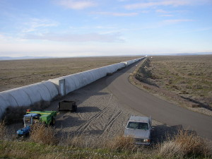 Northern_leg_of_LIGO_interferometer_on_Hanford_Reservation (1)